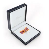 Miniatuur inhuldigingsmedaille dames in etui